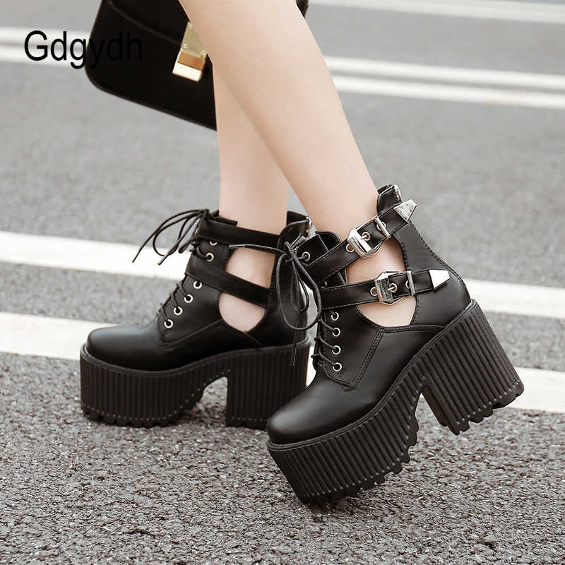Gdgydh blok topuklu yarım çizmeler kadınlar için platform ayakkabılar Punk ayakkabı moda toka kauçuk taban kare ayak ayak bileği kayışı siyah ayakkabı