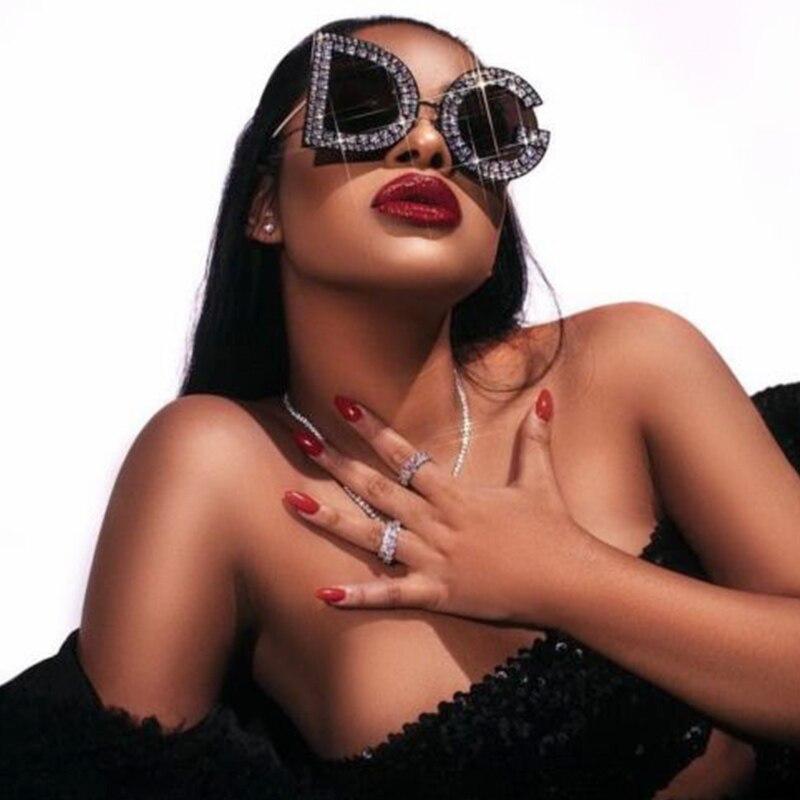 Тренд негабаритных хрустальные солнцезащитные очки с бриллиантами Женские 2019 брендовые Дизайнерские Мужские Винтажные Солнцезащитные очки солнцезащитные очки высокого качества Оттенки для женщин s