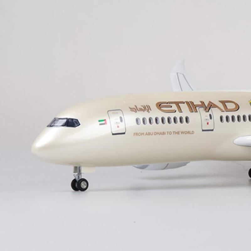 1/130 échelle 43 cm avion Boeing B787 Dreamliner avion ETIHAD Airlines modèle W lumière et roues moulé sous pression en plastique résine avion