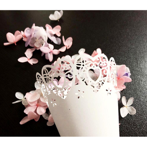 50pcs Hollow Out Flower Tube Party White Paper DIY Wedding Scatter Flowers Party Confetti Cone Lightweight Wedding White Crafts