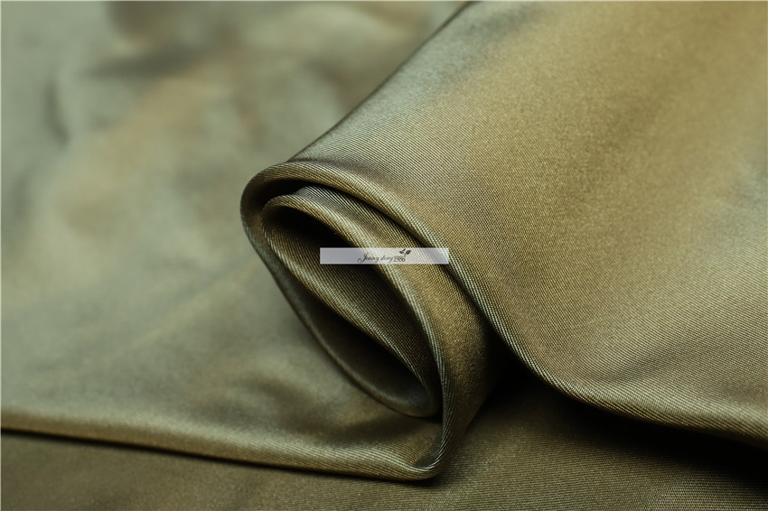 Silk is soft, skin friendly, 100% silk, 23 mm, coffee color, all kinds of occasions, fabric DIY. Tapered color fabricSilk is soft, skin friendly, 100% silk, 23 mm, coffee color, all kinds of occasions, fabric DIY. Tapered color fabric