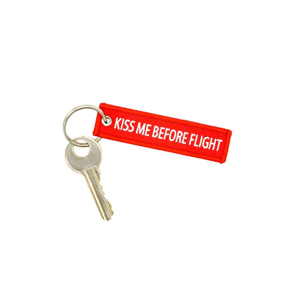 1 stuk Luchtvaart gift Sleutelhanger KUS ME VOORDAT VLUCHT Sleutel tag Duplex voor motorfiets auto Sleutelhangers Geweven of Borduren label