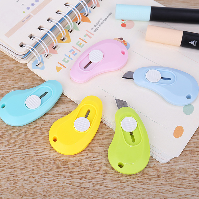 1 Pcs Random Color Cute Solid Color Mini Portable Utility Knife Paper Cutter Cutting Paper Razor Blade Office Stationery