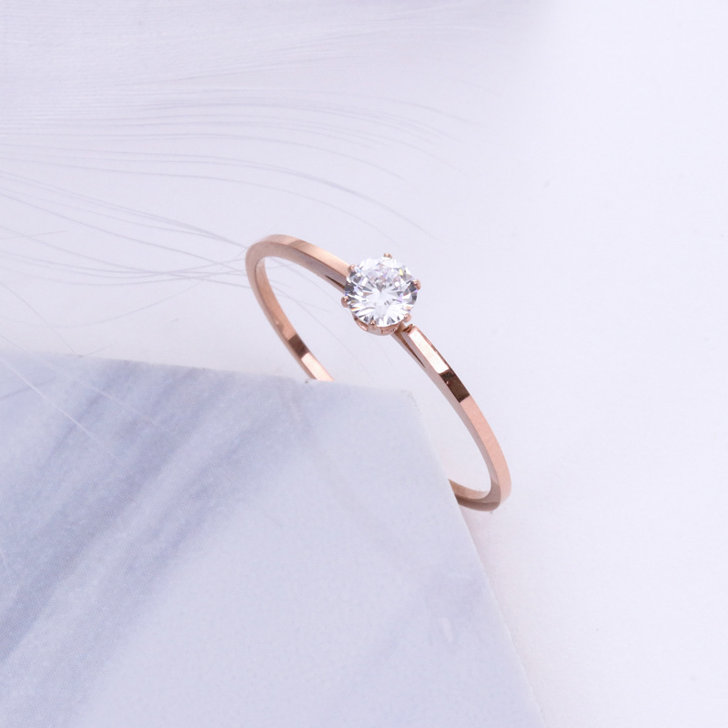 HFYK 2018 Unique rose gold stainless steel cubic zirconia rings for women thin wedding rings jewelry bagues femme anillos mujer