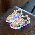 O bebê caçoa a luminosa led shoes asas de anjo crianças shoes meninas dança shoes boys sports shoes crianças luz led 2017 novo Sneaker