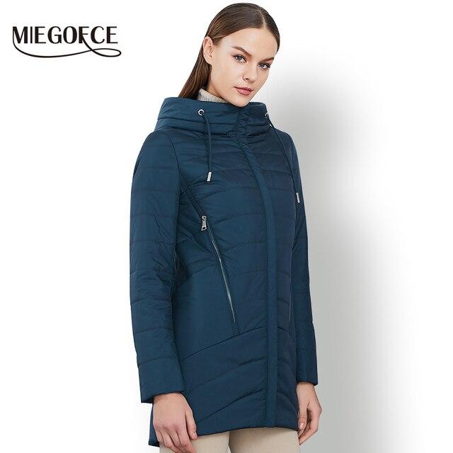 2018 Весенняя куртка женская теплая с капюшоном стильное женское пальто высококачественное женская парка новая весенняя коллекция MIEGOFCE