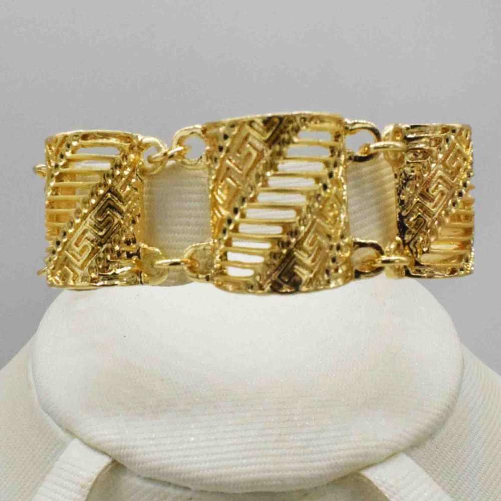 2019 neue Großhandel Wunderschöne Afrikanischen Vintage-Schmuck-Sets Gold Farbe Halskette Set Hochzeit Mode Dubai Schmuck für frauen