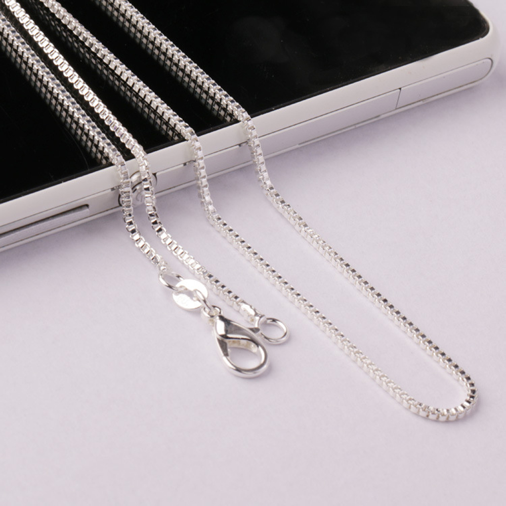 Sterling Silver Womens 1mm Box Chain The United States Of America Flag Pendant Necklace
