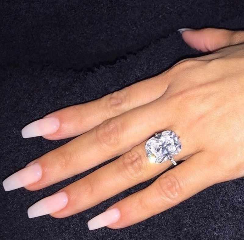 ประกายหญิงแหวน 925 เงินสเตอร์ลิง 5CT สแควร์ AAAA CZ แหวนแต่งงานแหวนผู้หญิงงบเจ้าสาวเครื่องประดับ