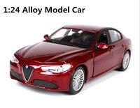 1:24 Gelişmiş alaşım araba model oyuncak, yüksek simülasyon alfa Romeo spor araba, 2 açık kapı, mükemmel koleksiyon model araba, toptan