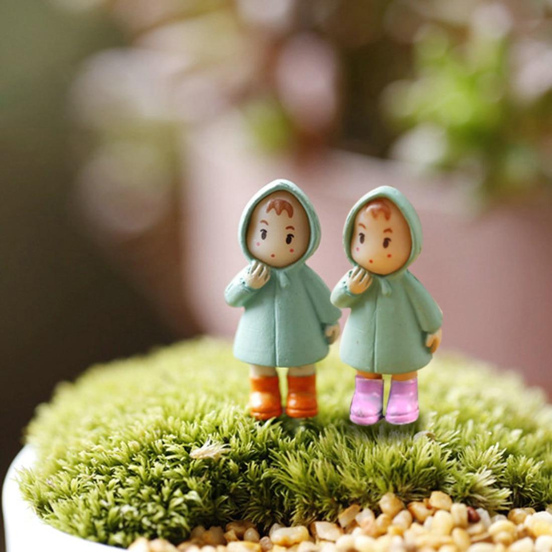New 1PCS Cute Mini Figurines Miniature Girl Mei Resin Crafts Ornament Fairy Garden Gnomes Moss Terrariums Home Decorations