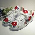 Flats Alpercatas de Couro Genuíno das mulheres Chinês Tradicional Bordado Lazer Feminino Calçado Lace-up Sapatos de Flores para As Mulheres