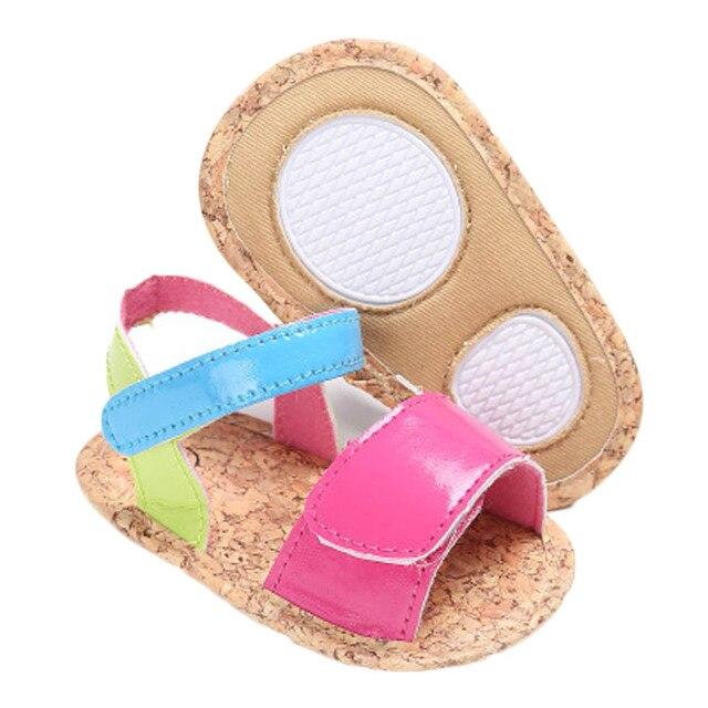 fe8fb95ea1 Novo Branco de Verão Menino Crianças Sapato Casual Bebê Menina Da Praia  Sandália Moda Criança Chinelo