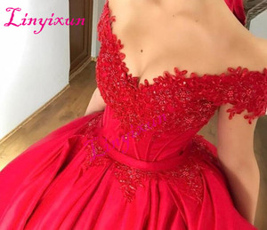 Modest Off Shoulder Red Ball Gown Prom Dresses Appliques Beaded Satin Corset Lace Up Evening Dresses Custom Sweet 16 Dresses