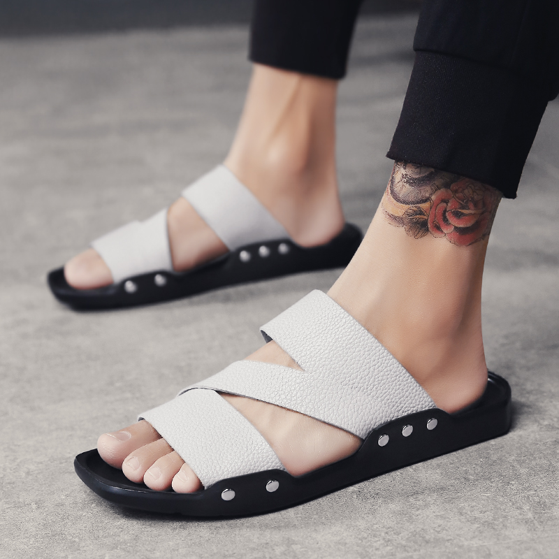 2018 Men Summer Fashion Beach Leather Slides Yellow Sandals Male Adult Leisure Slippers Shoes Open Toe White Home Sandalias