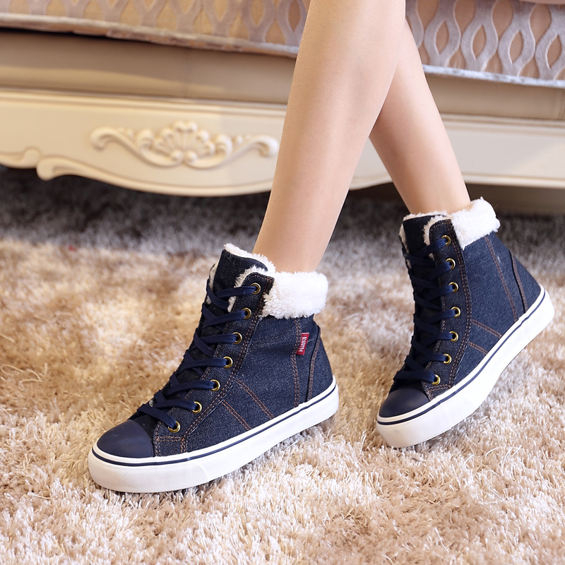 Flat boots during the winter and warm winter boots and velvet girl boots and cowboy boots Fashionable and comfortable 16