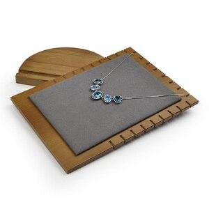 Image 4 - FANXI in legno Massello Crema bianco & grigio Scuro della collana Del Pendente banco di mostra con in microfibra per la mostra Della Collana dei monili Del Supporto