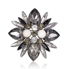 New Luxury Vintage Austria Crystal Brooches Pin Rhinestone Brooch Flower Wedding Big Stone Opal Brooches for Women Party Jewelry