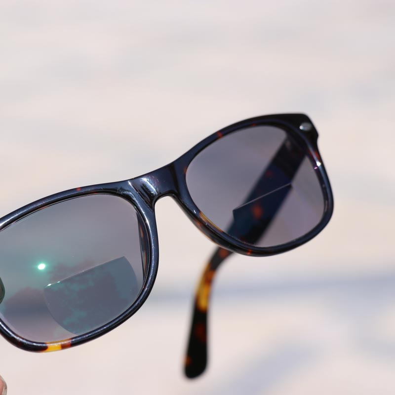 7d483537ac5 Aliexpress.com   Buy WEARKAPER Photochromic Bifocal Reading Glasses Acetate  Frame Multifunction Readers Presbyopia Glasses Outdoor fishing sunglasses  from ...