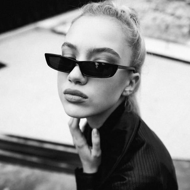 QPeCou 2018 Nova Marca Pequeno Retângulo Óculos De Sol Das Mulheres Dos  Homens Praça Estilo Moderno acbe717c61