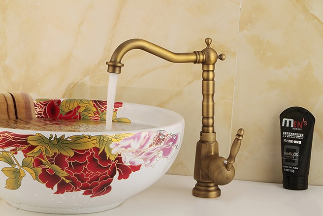 Manufacturers Wholesale Free Shipping Antique Kitchen Sink Full Copper  Rotating Hot And Cold Faucet(China