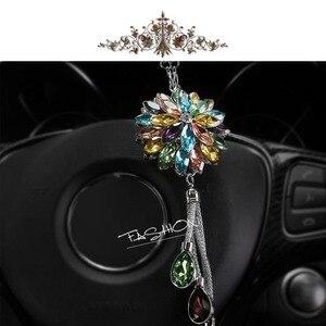 Image 3 - 2019New Auto Rückansicht Anhänger Lotus Kristall Auto Innen Ornamente Schneeflocke Auto Anhänger Schmuck Hängen Zubehör Dekoration
