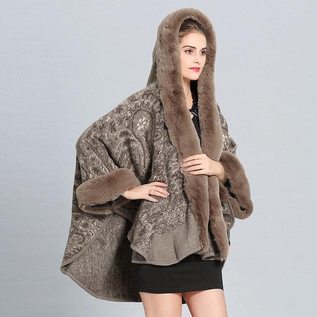 SWONCO Cape manteau femmes veste dhiver Cape avec col en fourrure longue chaude hiver Cape Ponchos et Capes femme Crochet Poncho laine