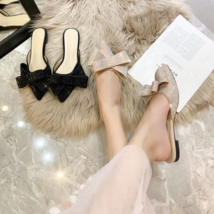 Image 3 - Sandálias femininas meia chinelos de bico ponteagudo, roupa feminina de verão, sapatos baixos e preguiçosos de strass, nova moda, 2019