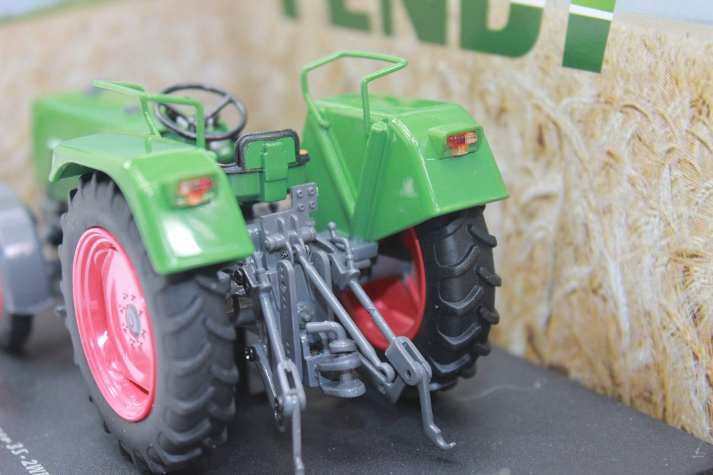 Uh 5270 1:32 Fendt Farmer 3S 2 WD трактор Новая оригинальная упаковка