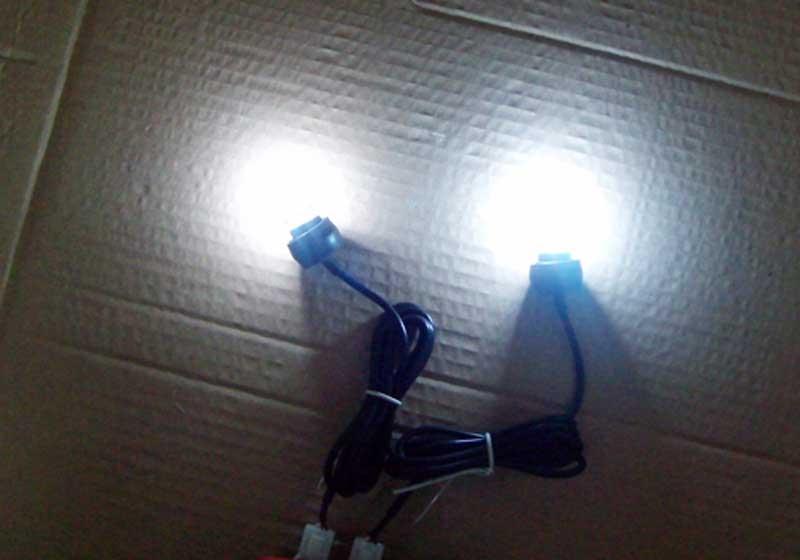 Купить с кэшбэком FUGSAME 2 Car Auto Van U tube lamp grill light/ bright strobe lights Flash Strobe   Light Bulbs Headlight 12V Dropshipping
