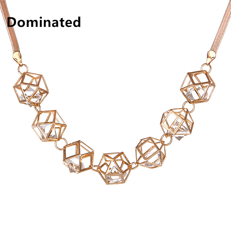 2016 Women Hollow Three-dimensional Crystal Necklace Female Accessories Decorative Necklace