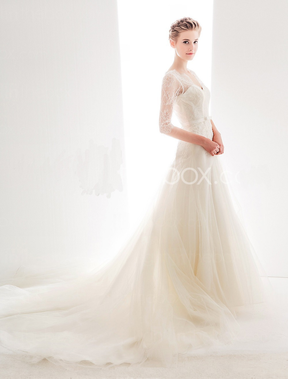Queen Anne Neckline Wedding Dresses