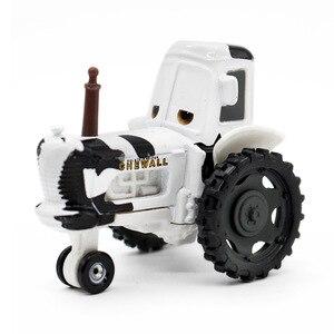 Image 4 - 1:55 Disney Pixar arabalar 3 2 Frank ve traktör yıldırım McQueen malzeme Jackson fırtına Ramirez Diecast oyuncak araba çocuk noel hediyesi