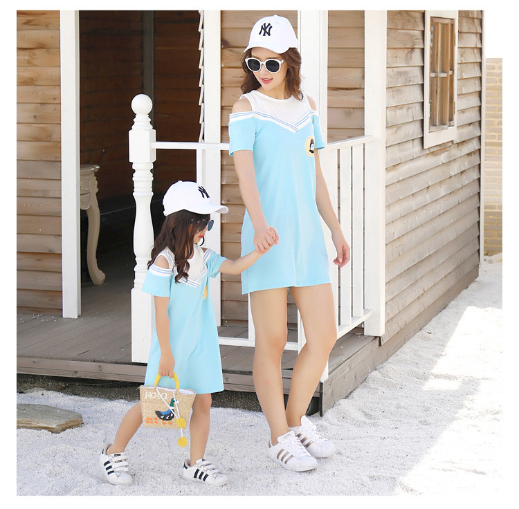 HTB1S0YscoGF3KVjSZFoq6zmpFXay - Summer Clothes Family Matching Outfits Dad Son Short Sleeve T-Shirt Mother Daughter Dresses Cute Blue White Dress Clothing