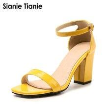 402599df0 Sianie Tianie 2019 Verão PU Patente Preto Roxo Amarelo Rosa Bloco de Salto  Alto Sexy Sapatos de Mulher Do Dedo Do Pé Aberto Sand.
