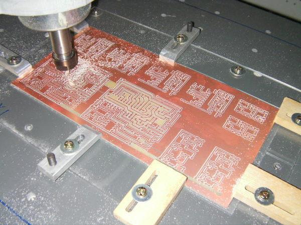 Mini bureau multifonction CNC gravure machine CNC pour PCB