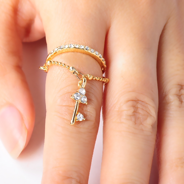 Artilady fashion crystal ring chain with key design engagement