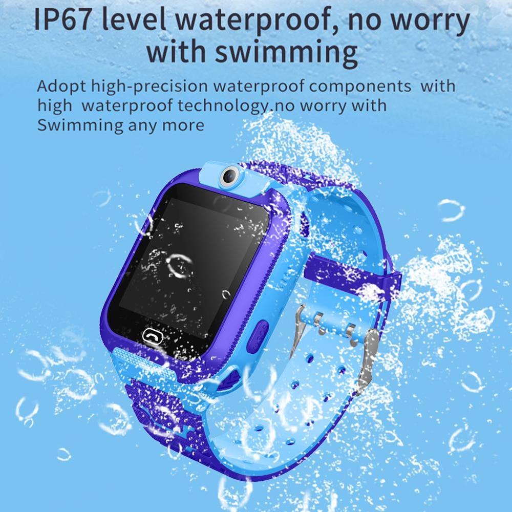 מקרנים ופלאזמות הילד GPS Smart Watch טלפון עמדה ילדים שעונים 1.44 אינץ מסך מגע צבע מעורר SOS Waterproof בייבי סמארט מצלמה מרחוק (2)