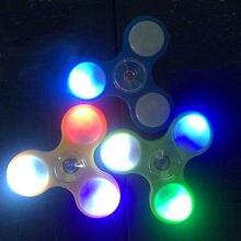 ไฟLEDอยู่ไม่สุขมือปั่นของเล่นนิ้วEDCโฟกัสGyroของขวัญสำหรับเด็กและผู้ใหญ่