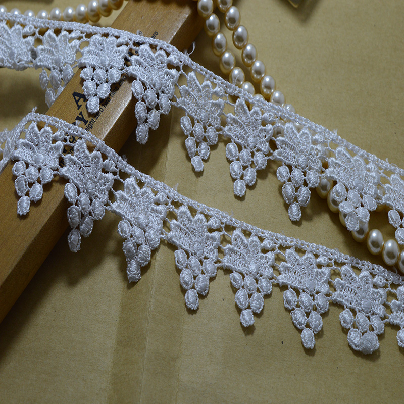Besplatna dostava 4 cm širine (5 jardi / lot) bijela šuplja - Umjetnost, obrt i šivanje