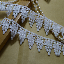 Free shiping 4cm wide(5yards/lot) white hollow water soluble lace trim for garments and wedding decoration materials-a103