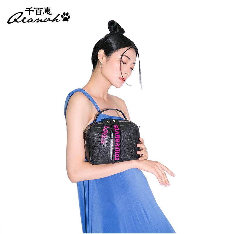 Фотография Famous brands top  Cow Leather  women bag  2017 new fashion Messenger bag Mini shoulder bag Leather bag