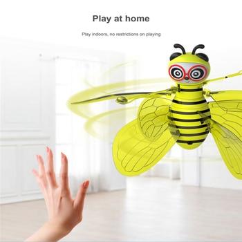 Abelha animal Voando Elétrico RC Sensor de Abelha Indução Infravermelha Mini Aeronaves LEVOU Brinquedos Divertidos de Luz Crianças Voando Brinquedo de mão manual de Segurança 1