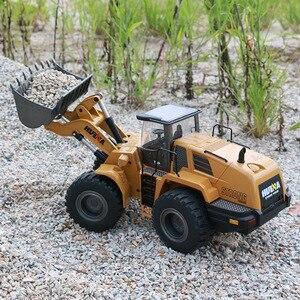 Image 4 - RBR/C HUINA 583 excavadora eléctrica de control remoto, vehículo de construcción en miniatura de aleación, tornillo de juguete