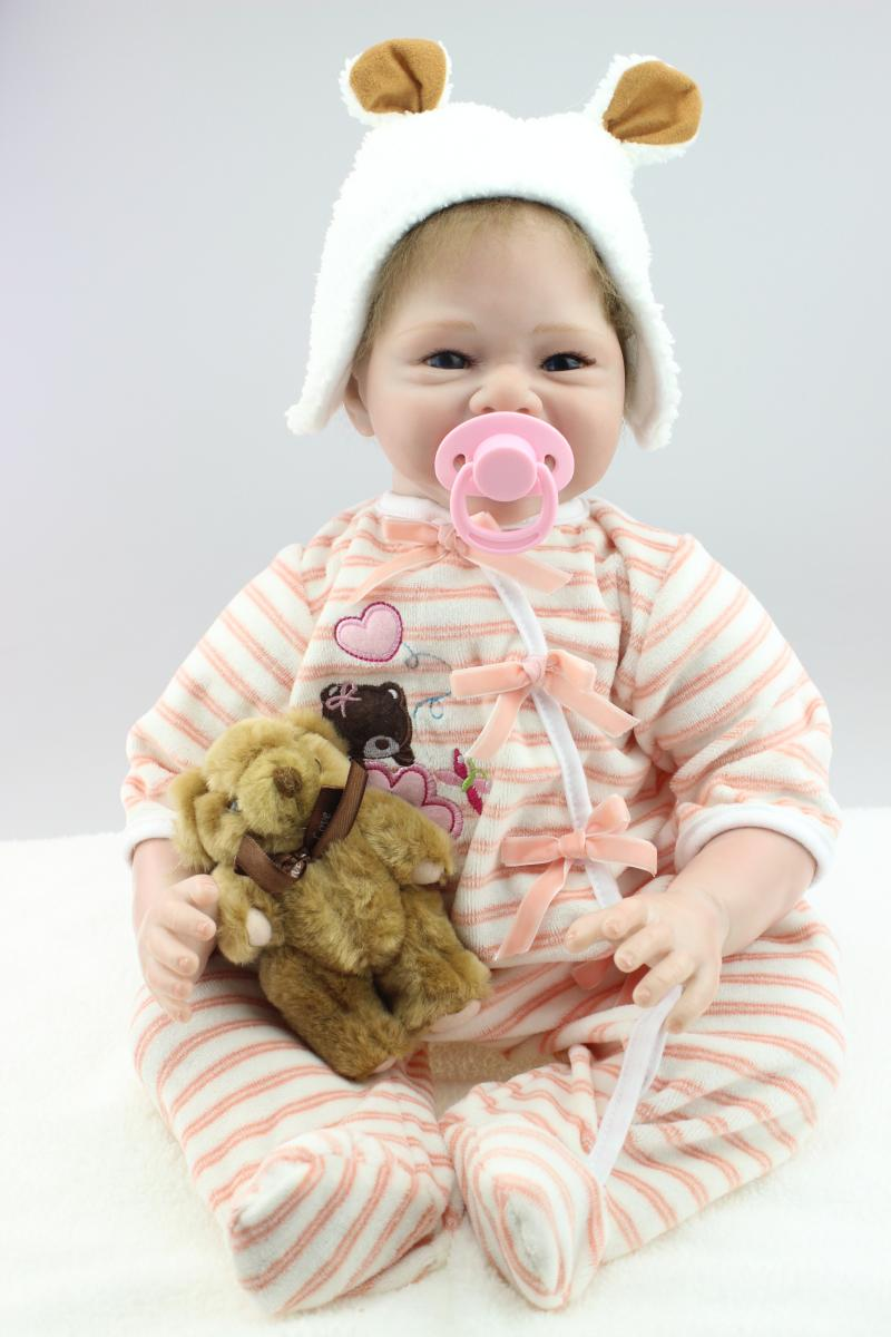 55CM Silicone Reborn Dolls Cute Smile Dolls Christmas Kids Gifts Girl Baby Brinquedos Kids's Birthday Dolls Sleeping Babies Toys hot sale toys 45cm pelucia hello kitty dolls toys for children girl gift baby toys plush classic toys brinquedos valentine gifts