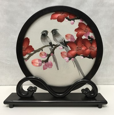 Décoration de la maison chinoise écran de Table ornements à la main Double face broderie soie peinture ébène Stand artisanat cadeaux haut de gamme