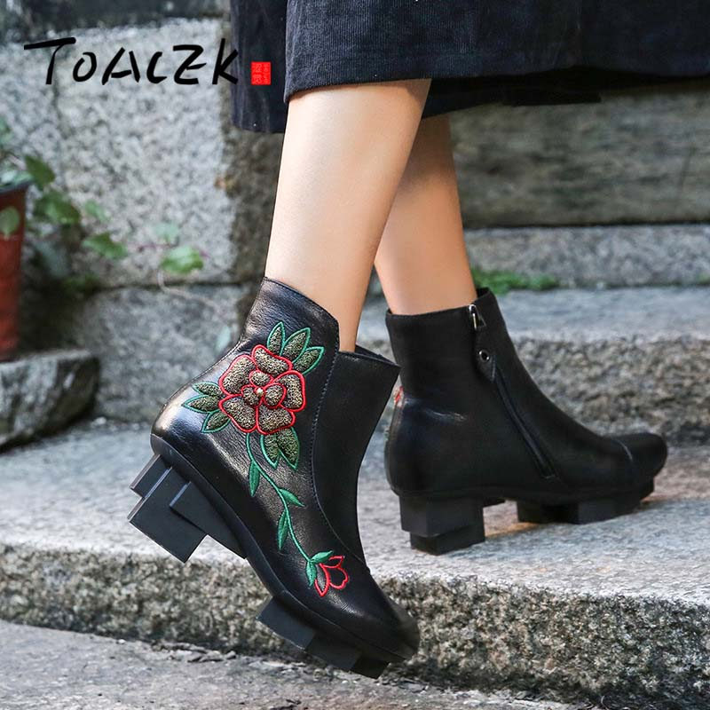 2018 Vintage Women Boots High Heel Genuine Leather Handmade Chunky Heels Ankle Boots Classic flower Embroidered short boots цены онлайн