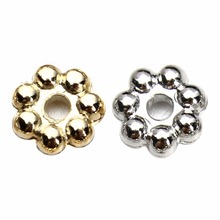 цена 500pcs/lot Diameter 4mm 6mm CCB Plastic Daisy Spacer Beads Silver Gold Color Flower Spacer Beads For Jewelry Making Findings онлайн в 2017 году