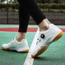 цены 2019 New Unisex Badminton Shoes Outdoor Sneakers Sport Breathable Male High Quality White Tennis Women Sneakers Gym Shoes