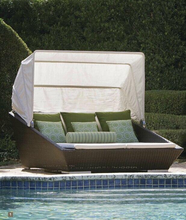 €637.21 |Rotin en plastique tissé confortable de plage de soleil rond lit  de jour extérieur de salon avec l\'auvent-in Chaises de jardin from Meubles  ...